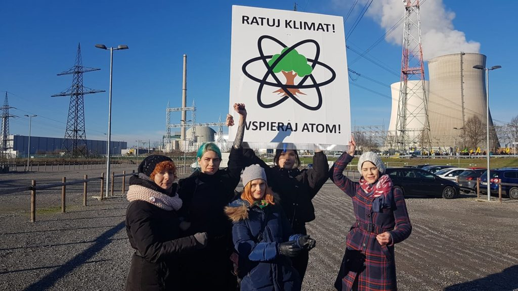 Członkinie FOTA4Climate podczasu protestu przeciwko zamykaniu elektrowni jądrowej w Philippsburgu.